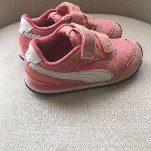 8T puma Velcro sneakers